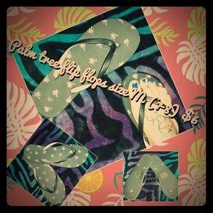 Shoes - Pink & black palm tee flip flops